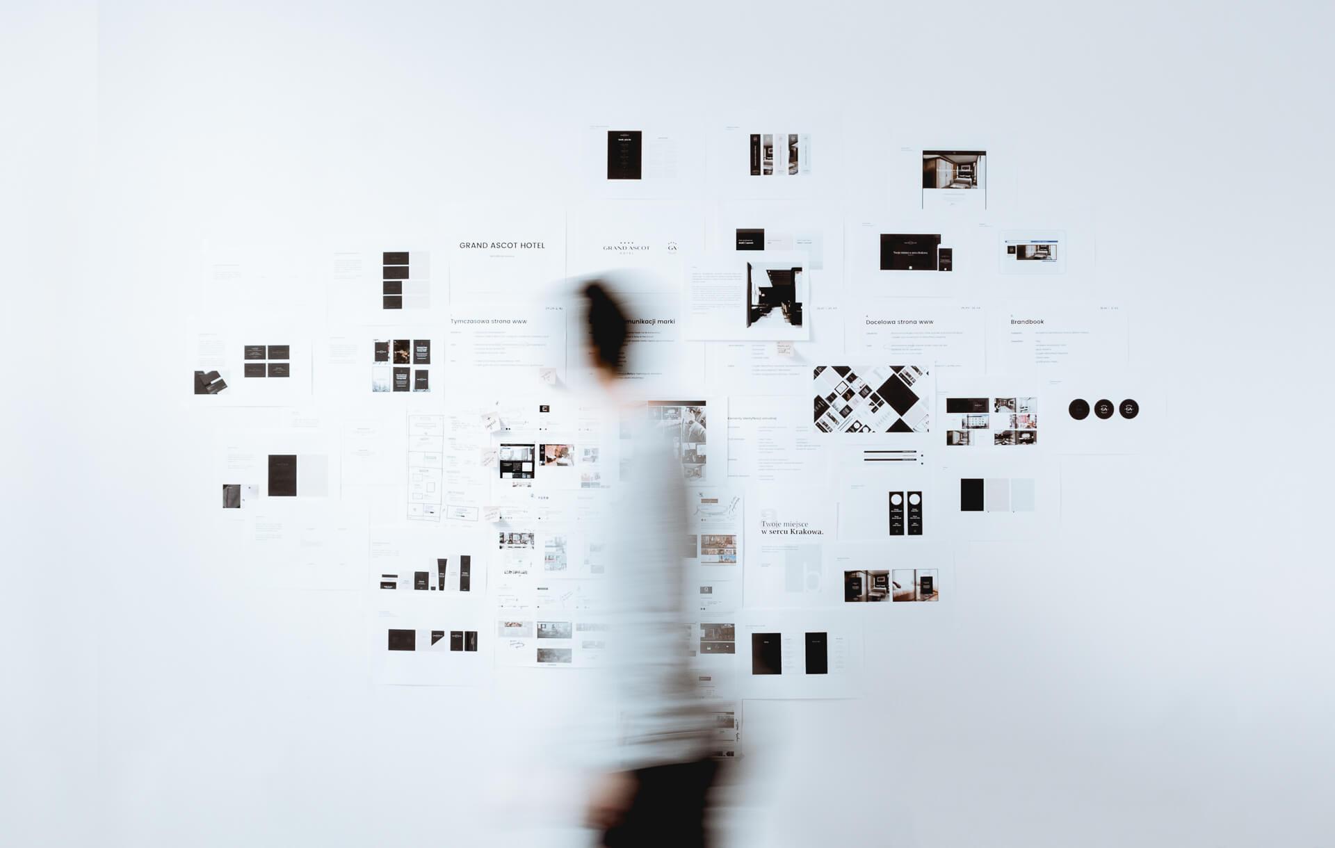 Dominik-Pacholczyk-Logo-Design-Branding-Idenitity-Wall-2-kopia