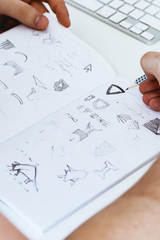 Dominik-Pacholczyk-Logo-Design-Sketch-03