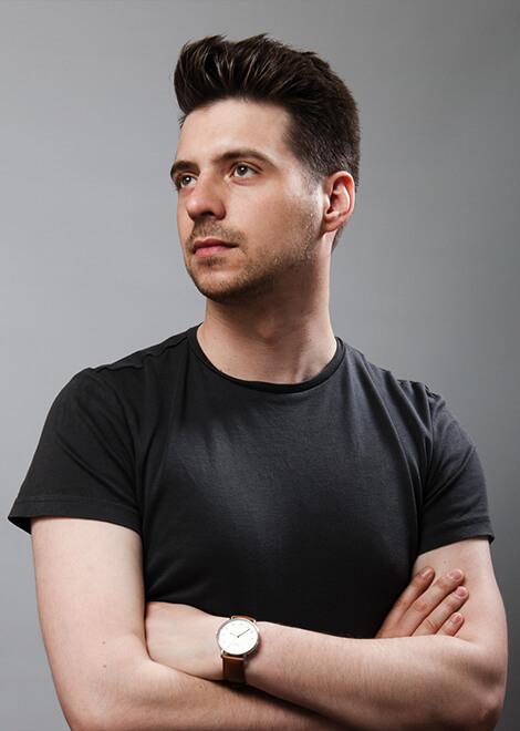 Dominik-Pacholczyk-Brand-Identity-Designer